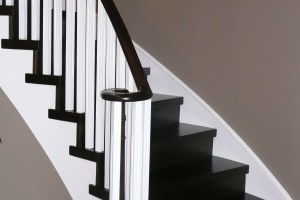 Stair installation, capsytem, white spindles