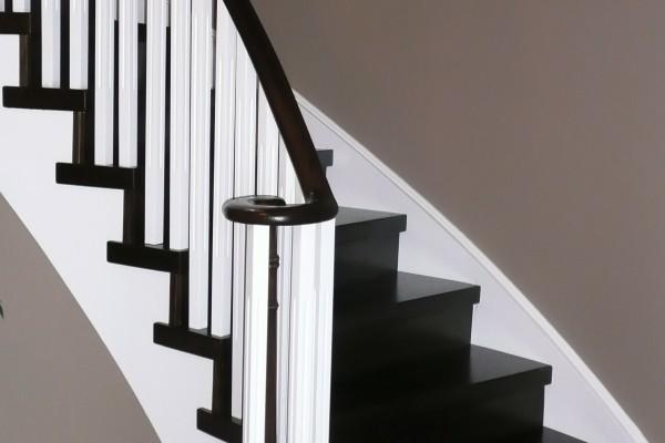 Stair installation, capsytem, white spindles