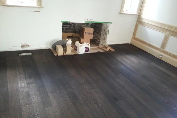 Hardwood Floors in Living Room Richmond Hill Ontario