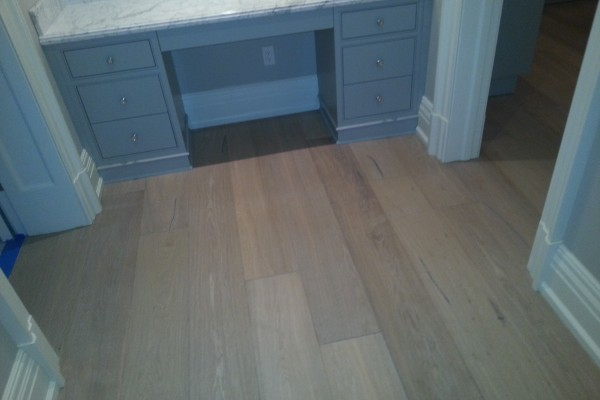 Walk in closet hardwood installation